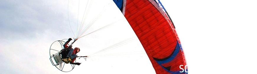 Hátimotoros siklóernyők